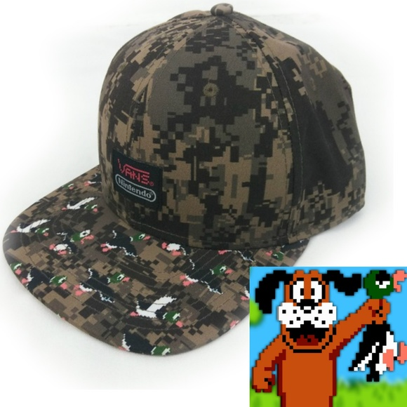 1df710e441 Vans Nintendo camo Duck Hunt snap back hat NWOT. M 5b4cd1c404e33d1ebcd6a159